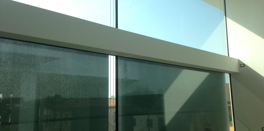 Facciata con vetri strutturali vista interna